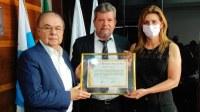 Câmara homenageou deputada estadual Célia Jordão
