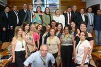 Legislativo presta homenagem a professores