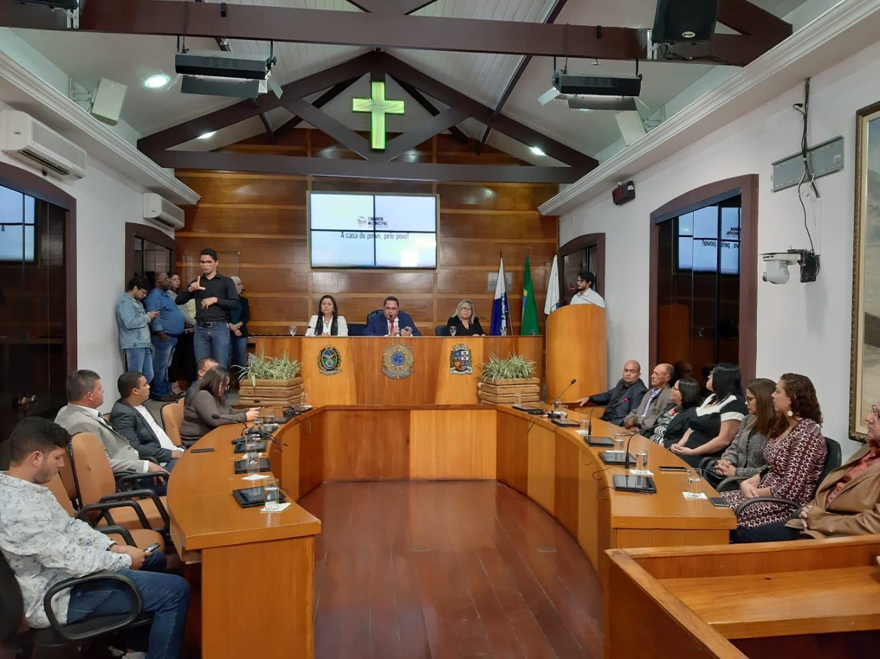 Sessão alusiva ao Dia da Independência foi realizada pela Câmara Municipal